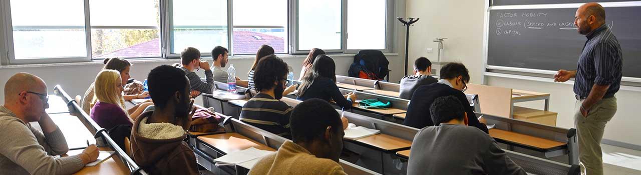 Studiare Economia e Management a Pisa